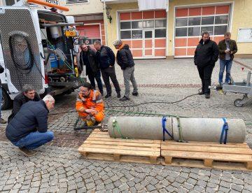 Der neue Spachtel- und Verpressroboter kam bei der Kanalnachbarschaftstagung in Grünburg zum Einsatz